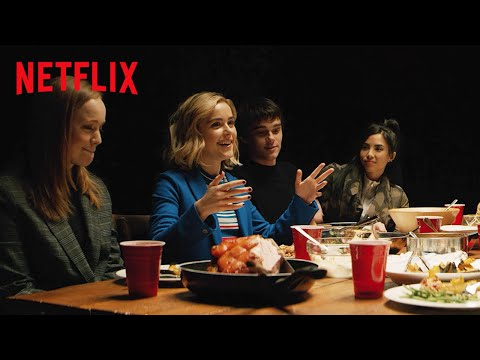 Entertainment: Let It Snow Cast Get Together for Friendsgiving | Netflix