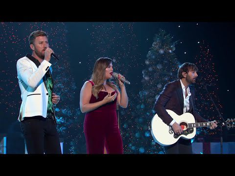 AP: Country music and Christmas go hand-in-hand for ABC special
