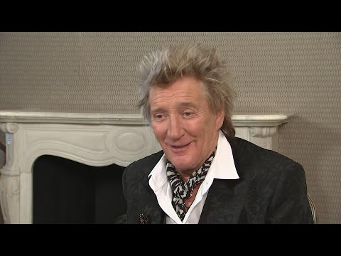 AP: Rod Stewart not getting strung out over new album