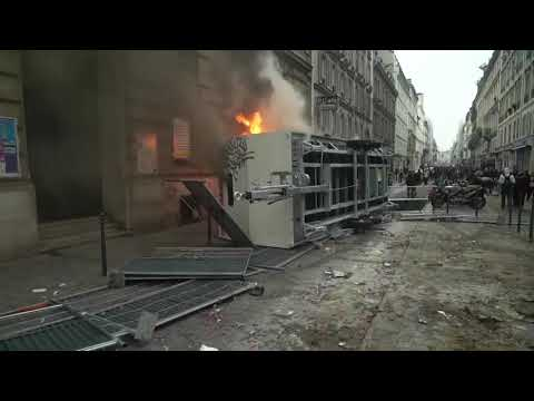 AP: Day of protest ends with Paris clashes